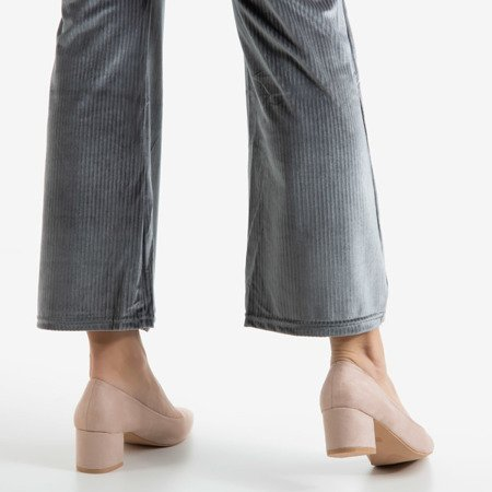 Beige pumps on the low post Royale - Footwear 1