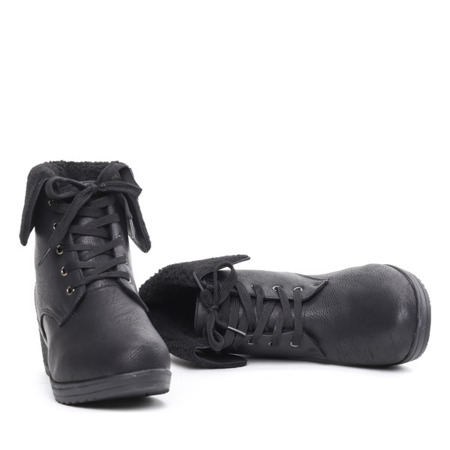 Black boots with a sheepskin wedge Osen - Footwear