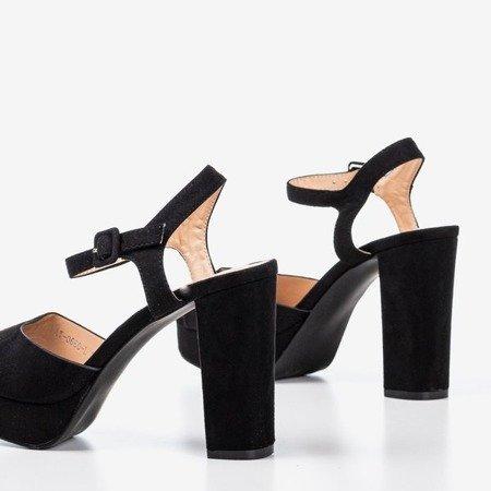 Black sandals on a higher post Silenae - Footwear