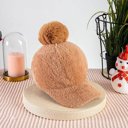 Ladies 'brown cap with a pompom - Caps
