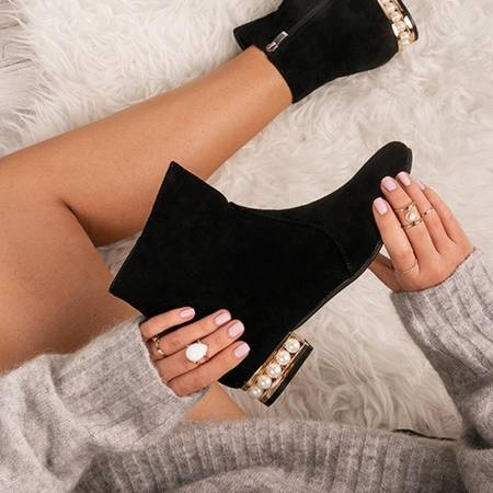 OUTLET Black boots Tina with pearls in the heel - Shoes